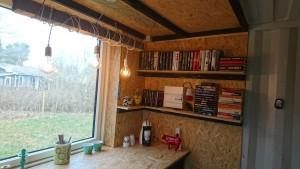Det hygger altsammen, og der bliver plads til bøger