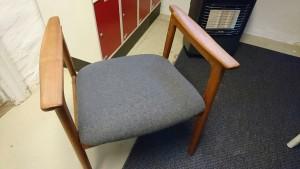 Så blev sædet da færdigt.. Valgte grå i to forskellige nuancer, australsk uld.
