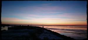 Bare tid til at nyde en flot solnedgang - her på Nibe Havn