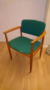 Har fået en stol mere.. trænger til lidt ny stof..