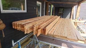 Lærkebrædderne får gori 22 som grunder... og gori terrasse træbeskyttelse
